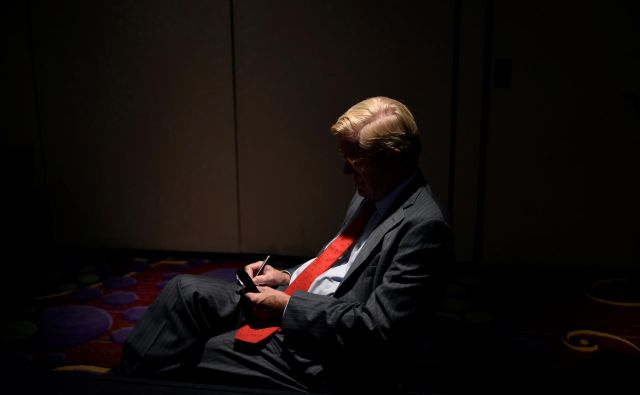 Bill Weld mora še preveriti teren. FOTO: Reuters