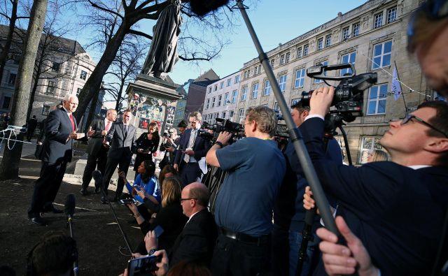 Ameriškemu podpredsedniku Miku Penceu med obiskom v bavarski prestolnici ni uspelo prepričati evropskih zaveznic o tem, da je pot, ki so jo ubrale ZDA, prava. FOTO: Reuters