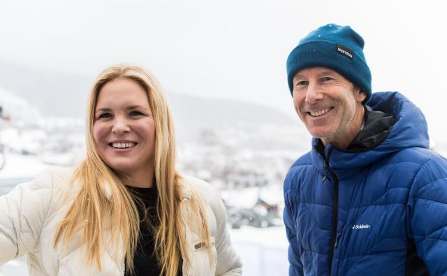 Anja Pärson in Ingemar Stenmark sta bila najbolj oblegana zvezdnika tekme legend na SP v Åreju. FOTO: Reuters
