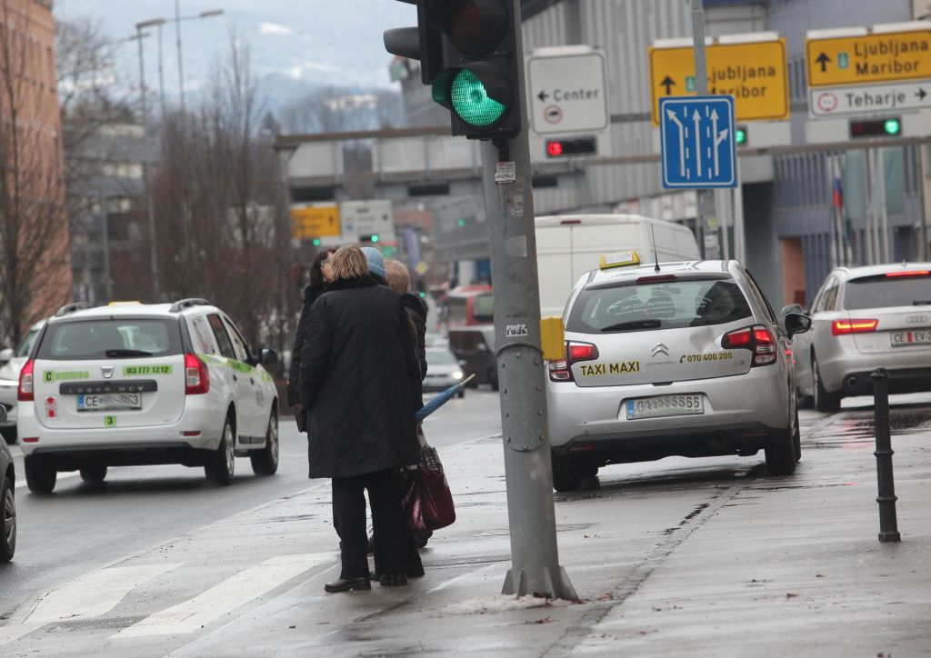 FOTO:Uredba o hrupu je neustavna in nezakonita