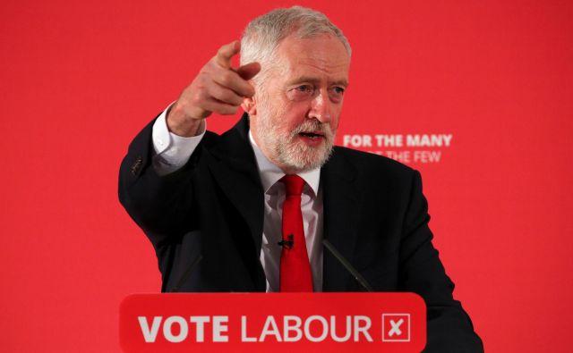 Je Jeremy Corbyn primeren kandidat za premiera? Njegovi nekdanji poslanci menijo, da ni. FOTO: Hannah Mckay/Reuters