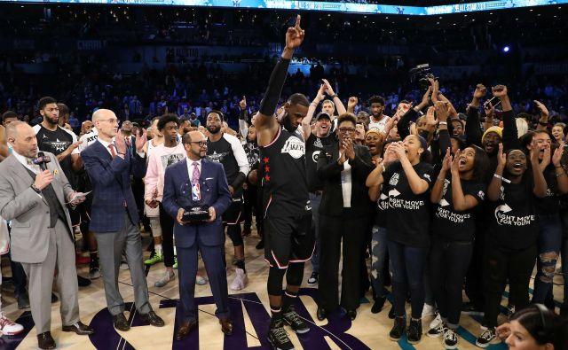 LeBron James je kapetansko popeljal svoje moštvo do prestižne zmage na 68. tekmi vseh zvezd. FOTO: AFP