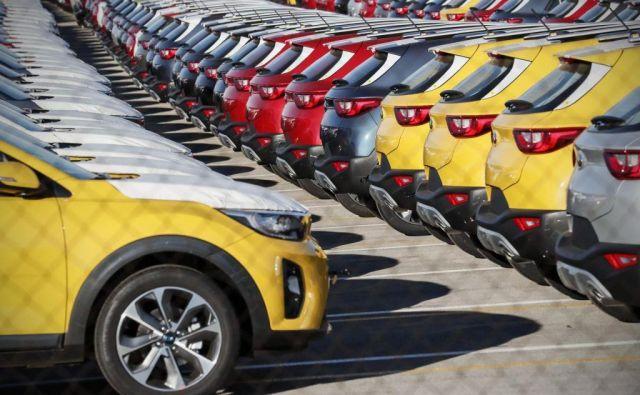 V mednarodni trgovini so v ospredje prišli avtomobili. FOTO: Reuters