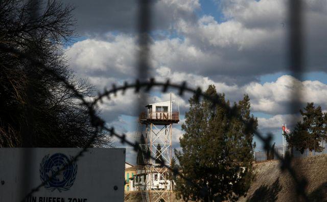Misija ZN je na Cipru od leta 1964. Nadzirajo nikogaršnjo ozemlje in opravljajo humanitarne naloge. FOTO: Reuters