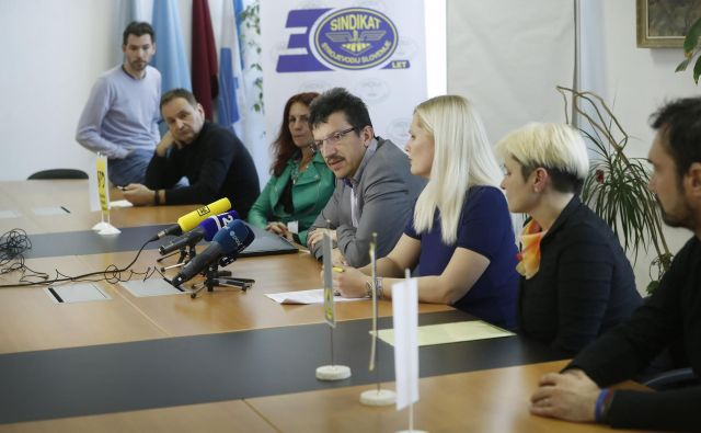 Novinarska konferenca sindikata poštnih delavcev o slabih delovnih pogojih na Pošti Slovenije FOTO: Leon Vidic/Delo