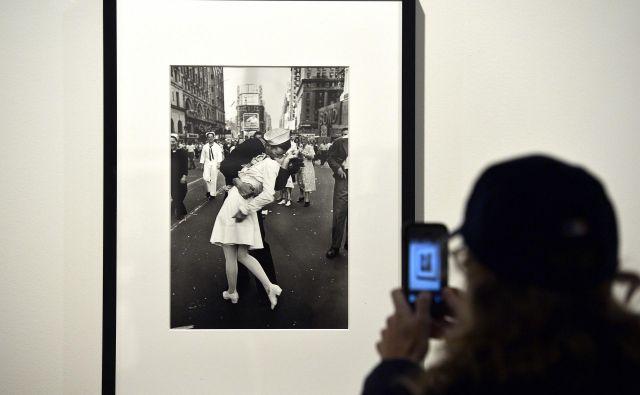 Znamenita fotografija je bila ena od štirih, ki jih je Eisenstadt posnel za Life Magazine. FOTO: AFP