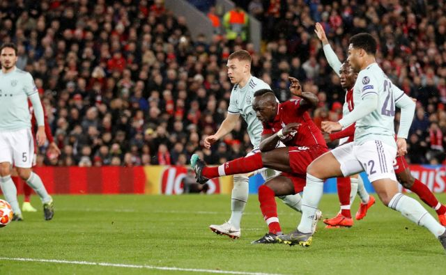 Sadio Mane (v sredini) je zapravil najlepšo Liverpoolovo priložnost proti Bayernu. FOTO: Reuters