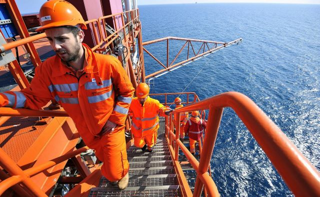 Politiki na Hrvaškem se zavzemajo za energetsko samozadostnost Hrvaške in podpirajo projekt plinskega terminala na Krku ter načrte o črpanju ogljikovodikov na Dinarskem gorovju in v Jadranskem morju. Foto Boris Kovačev/Cropix