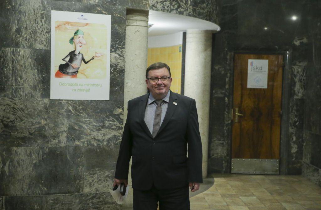 Minister za zdravje preboleva virozo