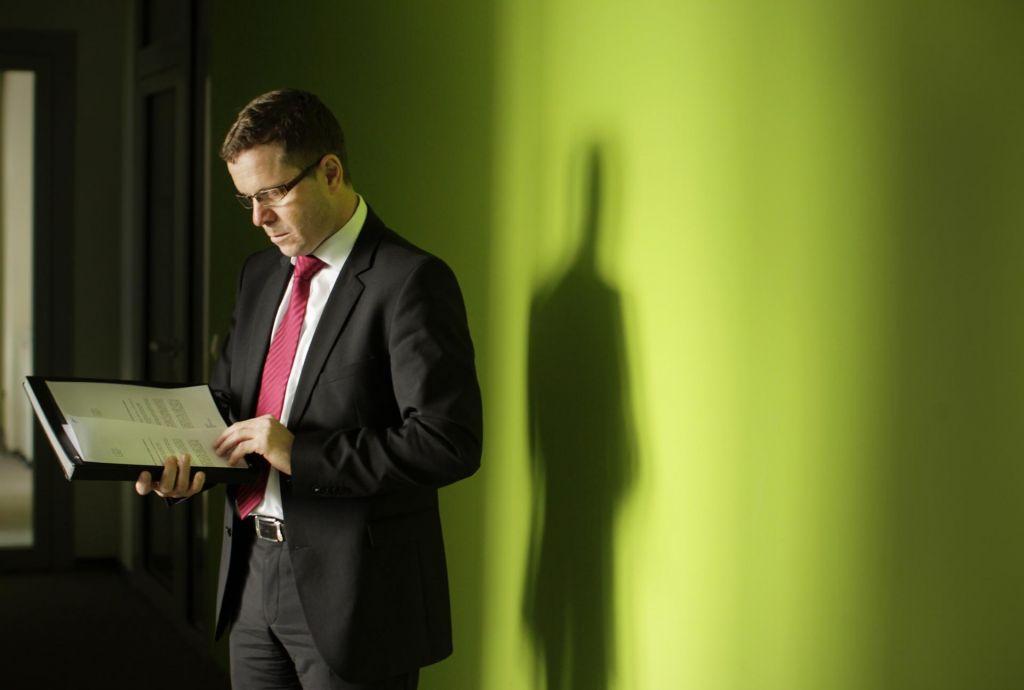 Dosedanji direktor Darko Majhenič ne bo več vodil Nacionalnega preiskovalnega urada