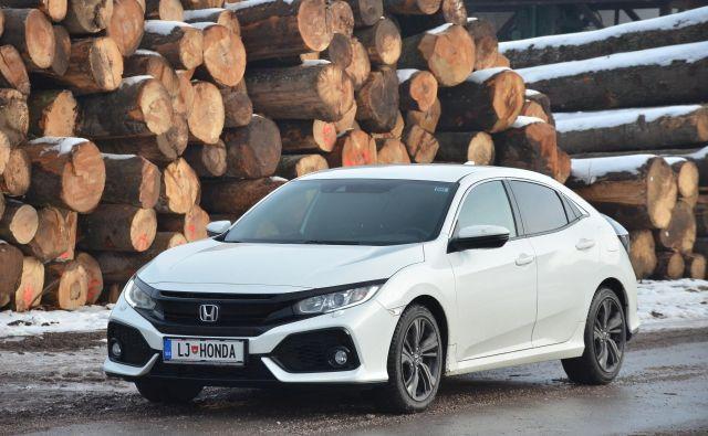 Honda je zadnja v vrsti proizvajalcev avtomobilov, ki so napovedali globalno prestrukturiranje proizvodnje. Na sliki honda civic, ki je ne bodo več izdelovali v Veliki Britaniji. FOTO: Gašper Boncelj/Delo