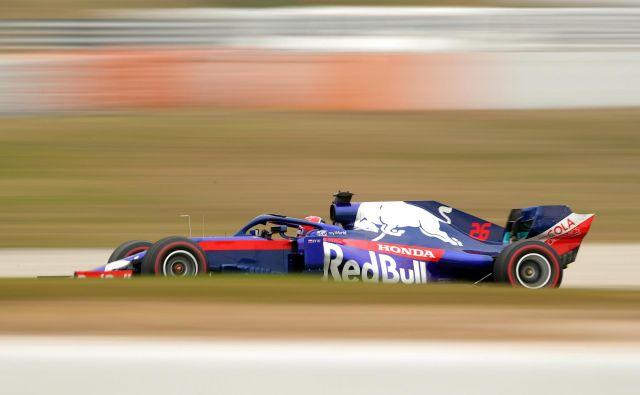 Danil Kvjat je presenetil z najboljšim časom tretjega dne testiranj. FOTO: Albert Gea/Reuters