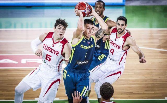 Matic Rebec je bil v Stožicah tarča agresivnih Turkov. FOTO: FIBA