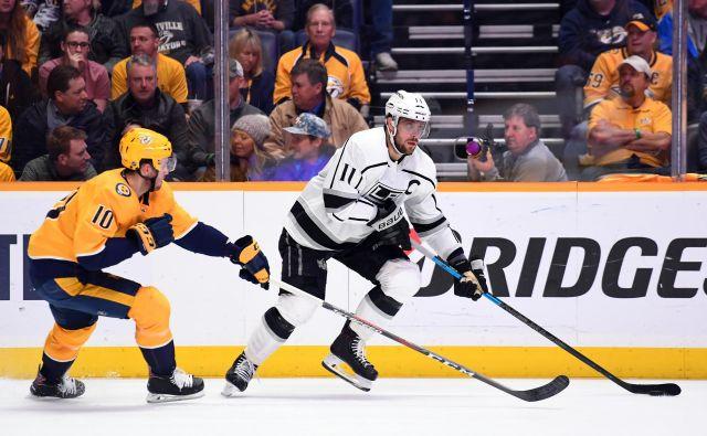 Hokejisti LA Kings s kapetanom Anžetom Kopitarjem na čelu ne najdejo poti iz krize. V Nashvillu so izgubili že šestič zapored. FOTO: USA TODAY Sports
