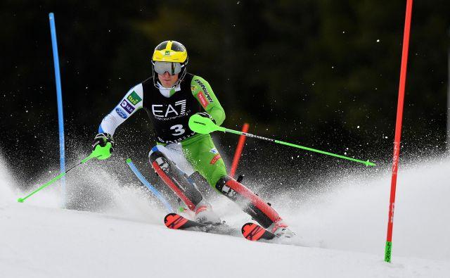 Štefan Hadalin si je 3. mesto prismučal z 8. časom superveleslaloma in 5. časom slaloma. FOTO: Dimitar Dilkoff/AFP