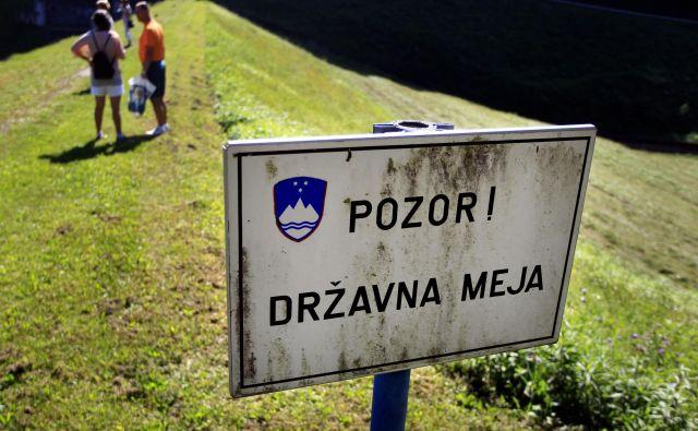 Pregrada Vonarje, dr�žavna meja med Slovenijo in Hrvaško. FOTO Roman Šipić