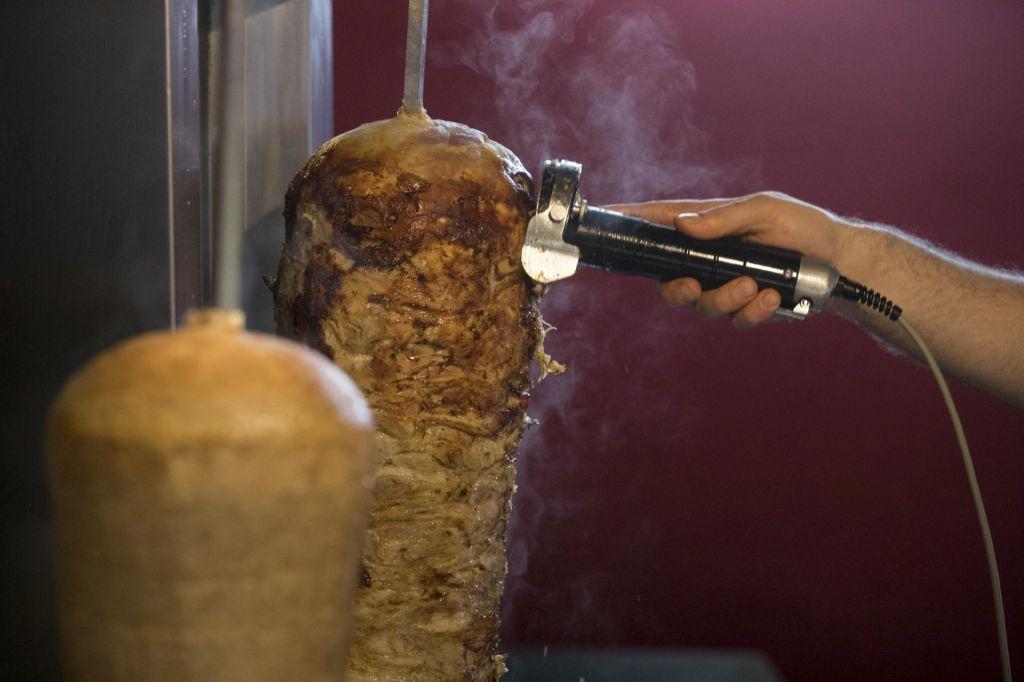 Nov primer salmonele v kebabu iz Poljske
