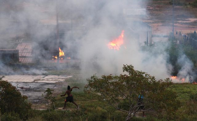 Spopad na meji med Venezuelo in Brzilijo. Foto Ricardo Moraes/Reuters