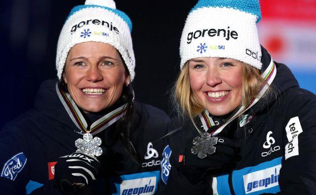 Katja Višnar in Anamarija Lampič sta se razveselili svojih prvih kolajn na svetovnih prvenstvih. FOTO: Reuters