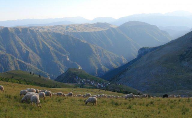 Neokrnjena narava v okolici Sarajeva pritegne mnoge turiste. FOTO: Žiga Gorišek