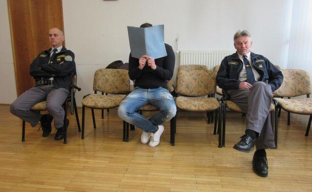 Aljoša Pajsar ni priznal, da so pri njem nabavljali večje količine prepovedanih drog. FOTO: Špela Kuralt/Delo