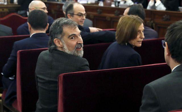 Včeraj sta kot zadnja izmed dvanajsterice obtoženih pričala nekdanja predsednica katalonskega parlamenta Carme Forcadell in vodja organizacije Òmnium cultural Jordi Cuixart. FOTO: Reuters