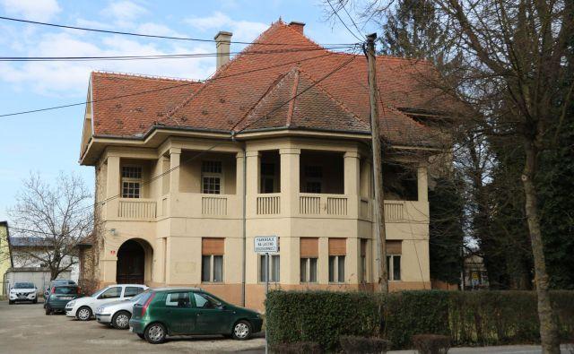 Hartnerjevo vilo je občina najprej hotela imeti, sedaj jo namerava prodati. FOTO: Jože Pojbič/Delo