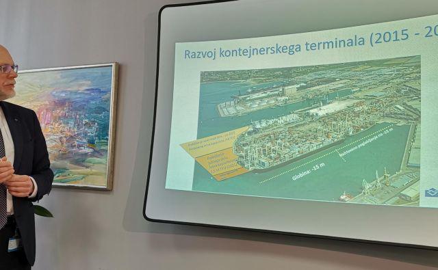 Dimitrij Zadel, predsednik uprave Luke Koper, želi razviti prvi pomol. Foto Boris Šuligoj