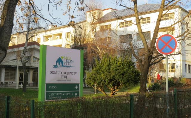 Direktorica DUP Jožica Šemnički ni pojasnila, zakaj so domske enote spremenili v samostojna stroškovna mesta in zdaj za vsakega posebej izračunavajo potrebne podražitve. FOTO: Franc Milošič