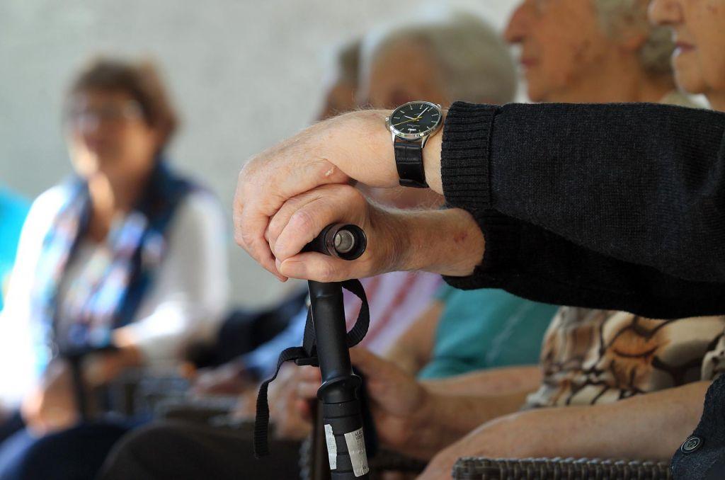 Upokojencem izplačane 2,7 odstotka višje pokojnine