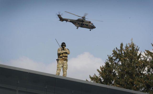 Uniforme, orožje in zaščitna oprema so na nakupnem seznamu vojske za letos, investicijska dokumentacija za nakup helikopterjev bo predvidoma pripravljena v prvi polovici leta. FOTO: Leon Vidic/Delo