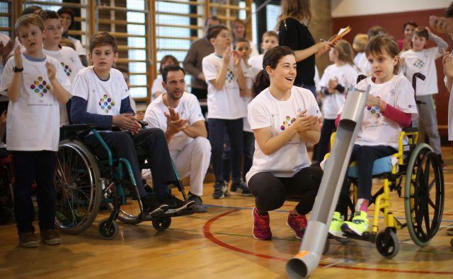 Fiho deli denar, od katerega je krvavo odvisno izvajanje številnih programov za invalide in uresničevanje njihovih temeljnih pravic. FOTO: Jure Eržen/Delo