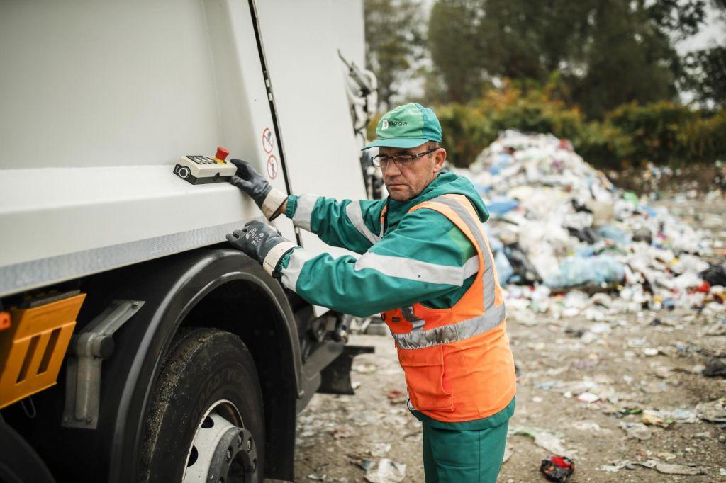 V Ljubljani in okolici dražja voda in odvoz smeti