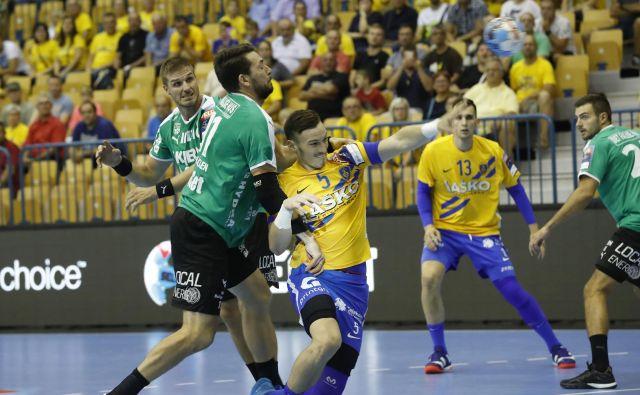 Celjani so ligo prvakov začeli in končali s porazom proti Skjernu. FOTO: Leon Vidic