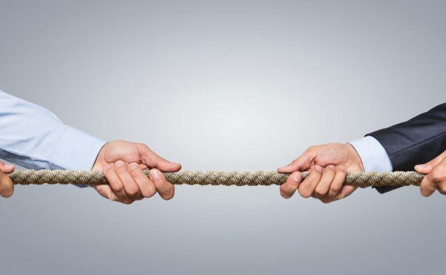 Rebalans sicer izpolnjuje obljubo o proračunskem presežku, a je ta nižji celo od zakonskih predpisov in ob koncu gospodarskega cikla močno povečuje porabo. Foto: Shutterstock