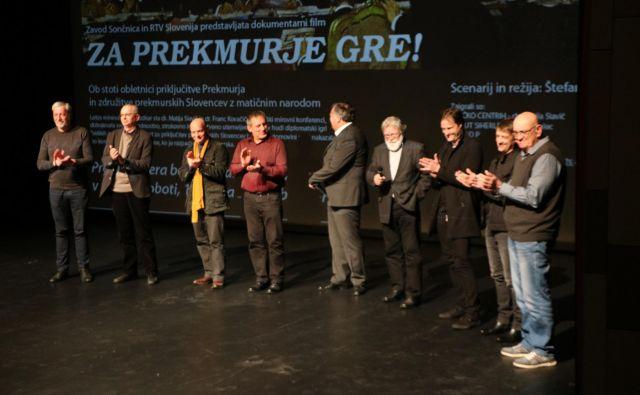 Ustvarjalci dokumentarca na predpremieri v Murski Soboti FOTO: Jože Pojbič/Delo