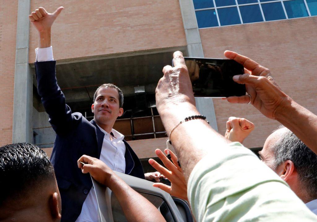 Guaidó se je vrnil v Venezuelo