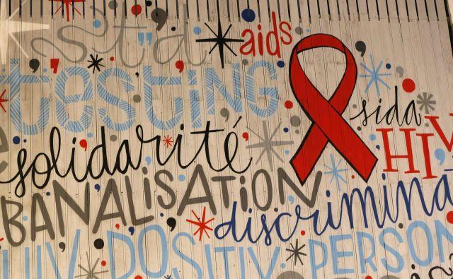 Nedopustno je, da osebe, okužene z virusom hiv, še vedno doživljajo diskriminacijo v zdravstvu in javnem življenju! FOTO: Reuters