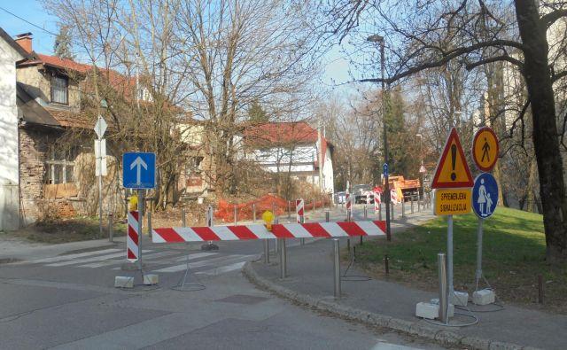 Prenova cestišča in sprememba prometnega režima na delu Vodnikove med Tržno in ulico Na jami iz dvosmerne v enosmerno je že pred leti povzročala ogromno zmede. FOTO: Janez Petkovšek