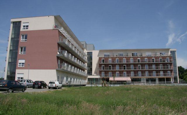 Kupec doma v Radencih bo prevzel tudi njegove dolgove, ki so lani dosegali skoraj 8 milijonov evrov. Foto Jože Pojbič