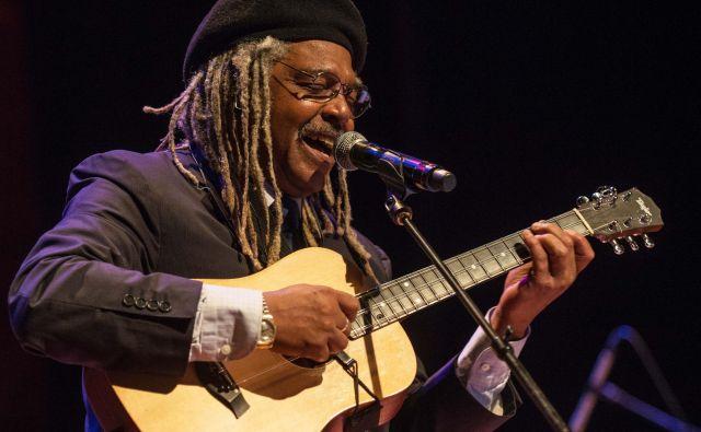 Juan de Marcos Gonzalez, popularizator kubanske glasbe po svetu.<br /> Foto: Mark Robbins