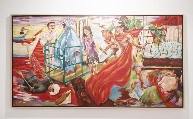 Semsar Siahaan, ki se predstavlja s platnom <em>Tanjung Priok</em>, velja za ikono umetniškega aktivizma v Indoneziji. Fotografiji Uroš Hočevar