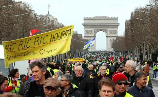 Tuditokratni sobotni shod je bil zaznamovan s spopadi med protestniki in policijo. FOTO: Philippe Wojazer/Reuters