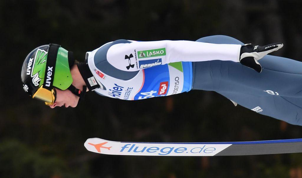 Ekipna tekma skakalcev v Oslu: Slovenci 6. na skrajšani tekmi