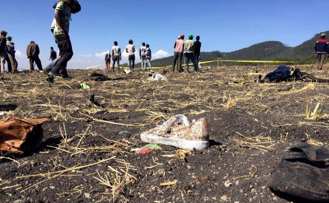 Razbitine strmoglavljenega letala. FOTO: Tiksa Negeri/Reuters