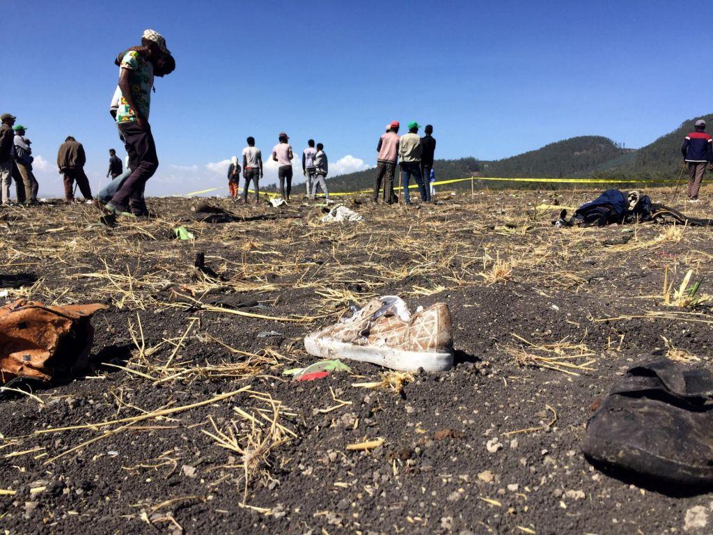 FOTO:Med 157 umrlimi v nesreči letala tudi državljani Italije, Francije in Velike Britanije