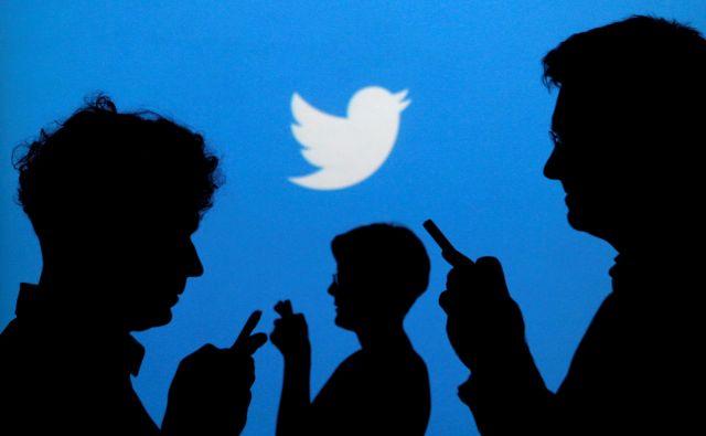 Twitter želi z ukrepom »zaščititi zdravje javne razprave« na svoji platformi. FOTO: Kacper Pempel/Illustration/Reuters