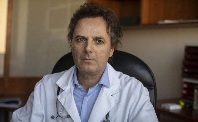 Prof. dr Mišo Šabović pacientom, še posebno starejšim od 50 let, priporoča, da zdravila za zniževanje povišanega krvnega tlaka in holesterola jemljejo tudi potem, ko sta tlak in holesterol že urejena.