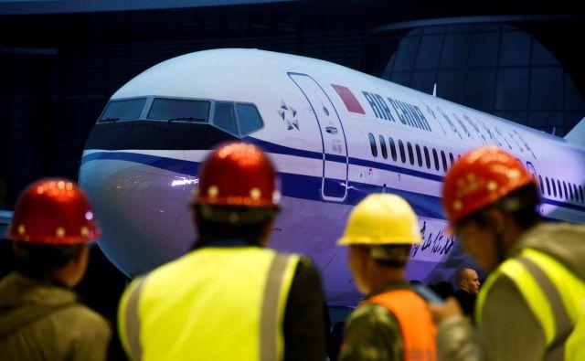 Boeingi737 MAX 8 so na Kitajskem obstali na tleh. FOTO: Reuters