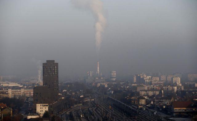Termoelektrarne so velik vir delcev in dušikovih oksidov. FOTO: Blaž Samec/Delo